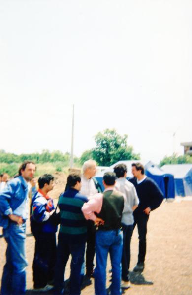 Tom Benettollo tra i volontari